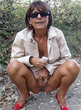 Horny mature housewife jumps eagerly on her neighbor's stiff rod